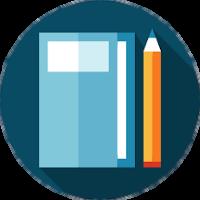 Um caderno azul com um lápis de corpo laranja ao lado direto sobre um fundo azul escuro